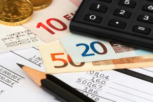 Bei einer Kündigung des Kredits muss mit einer Vorfälligkeitsentschädigung gerechnet werden.